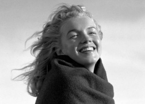 Marilyn taken by Andre DeDienes.
